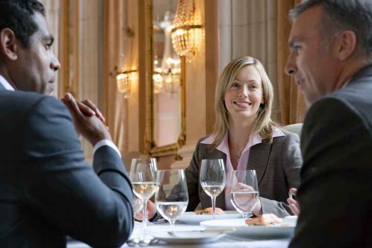 Business Essen 10 Wertvolle Knigge Regeln Startingup